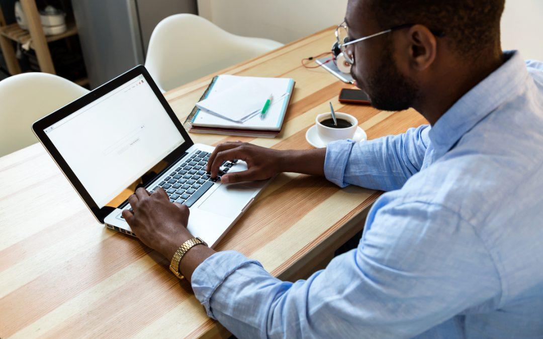 Como escolher um ERP: 4 dicas para não errar na hora de escolher seu software de gestão